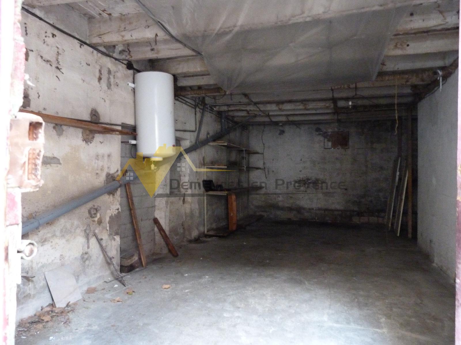 Vente maison avec tr s grand garage centre de vaison la for Garage volkswagen vaison la romaine